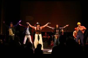 """Die """"huswup-Allstars"""", Teilnehmer der Show aus 2009, coverten den Village People-Song """"YMCA""""."""