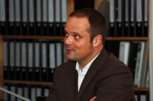 """Joachim Beck ist Inhaber der Unternehmensberatung """"Beck & Consorten"""" und einer der Initiatoren von """"Manager in der Manege""""."""