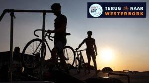 """Dieses Foto wirbt für die Bildungs-Radtour """"Zurück nach Westerbork""""."""