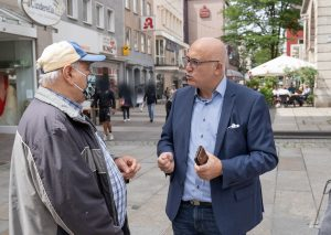 Paschalis im Gespräch mit Wuppertaler Bürger