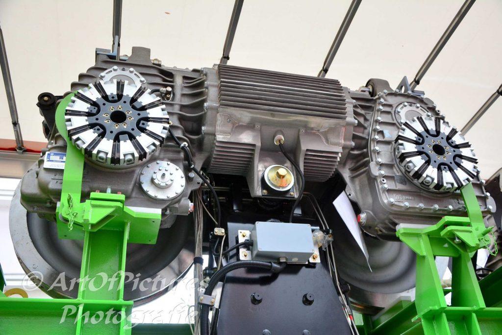 Motor und Radreifen der neuen Schwebebahn