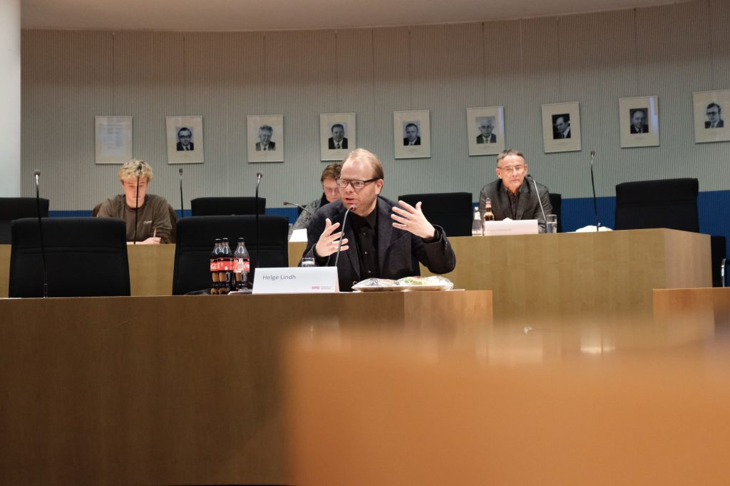 Helge Lindh mit Schaeffler BR im Bundestag